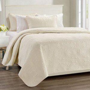 🌟Millano Chambrey 3 Piece Quilt Set Ivory